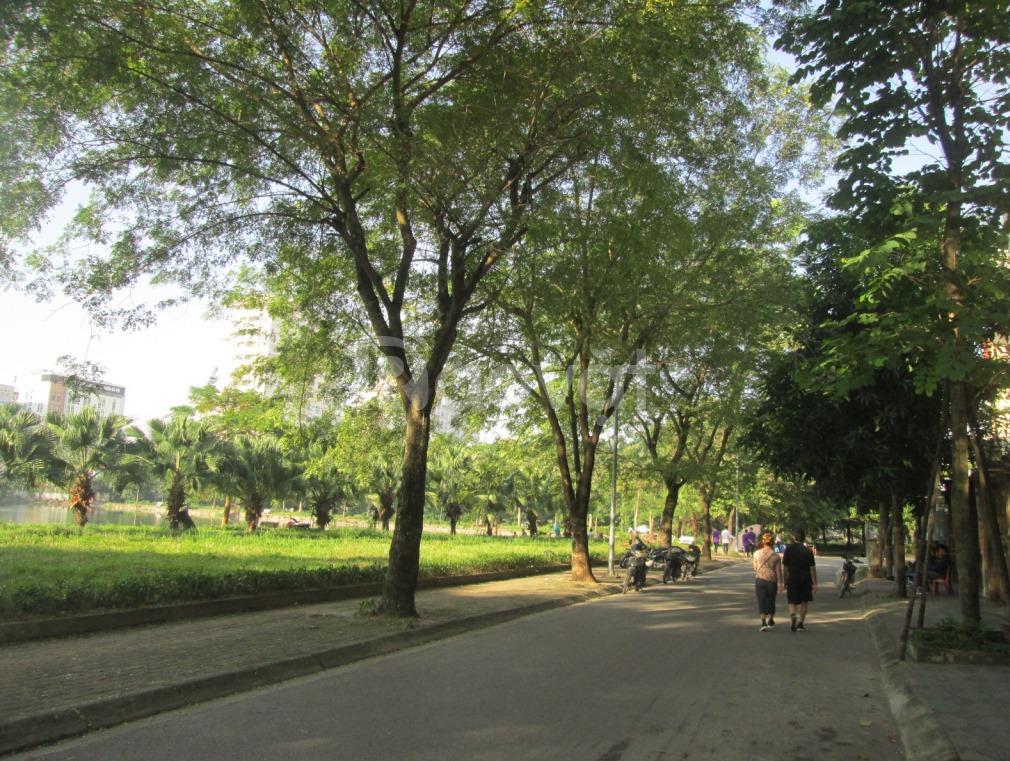Biệt thự triệu đô mặt hồ Vĩnh Hoàng họ hàng đều thích 222m2