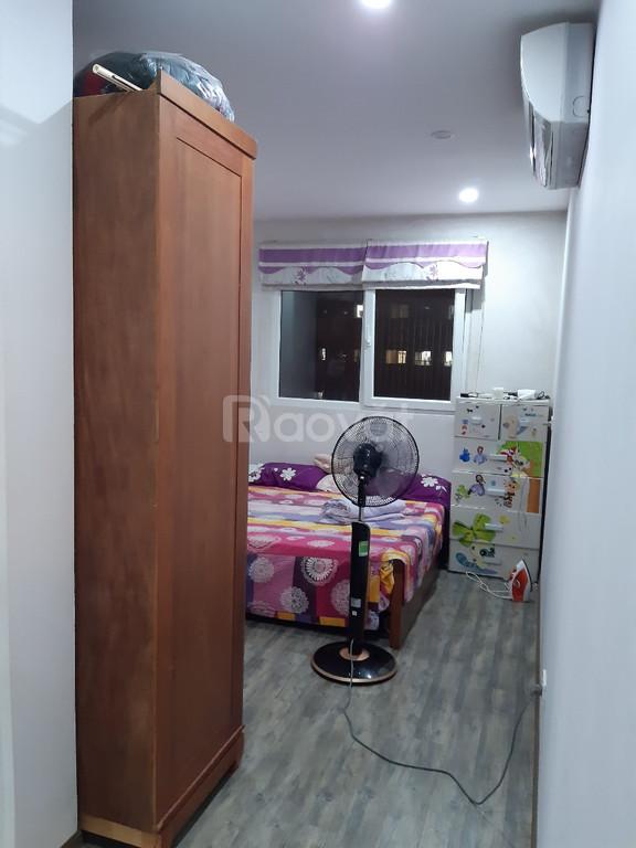 Bán gấp căn hộ 70m2 tòa CT2B chung cư Nghĩa Đô, 106 Hoàng Quốc Việt.