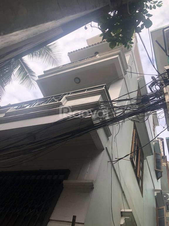 Bán nhà phố Minh Khai 5 tầng, 3 phòng ngủ, lô góc, nhà đẹp ở luôn