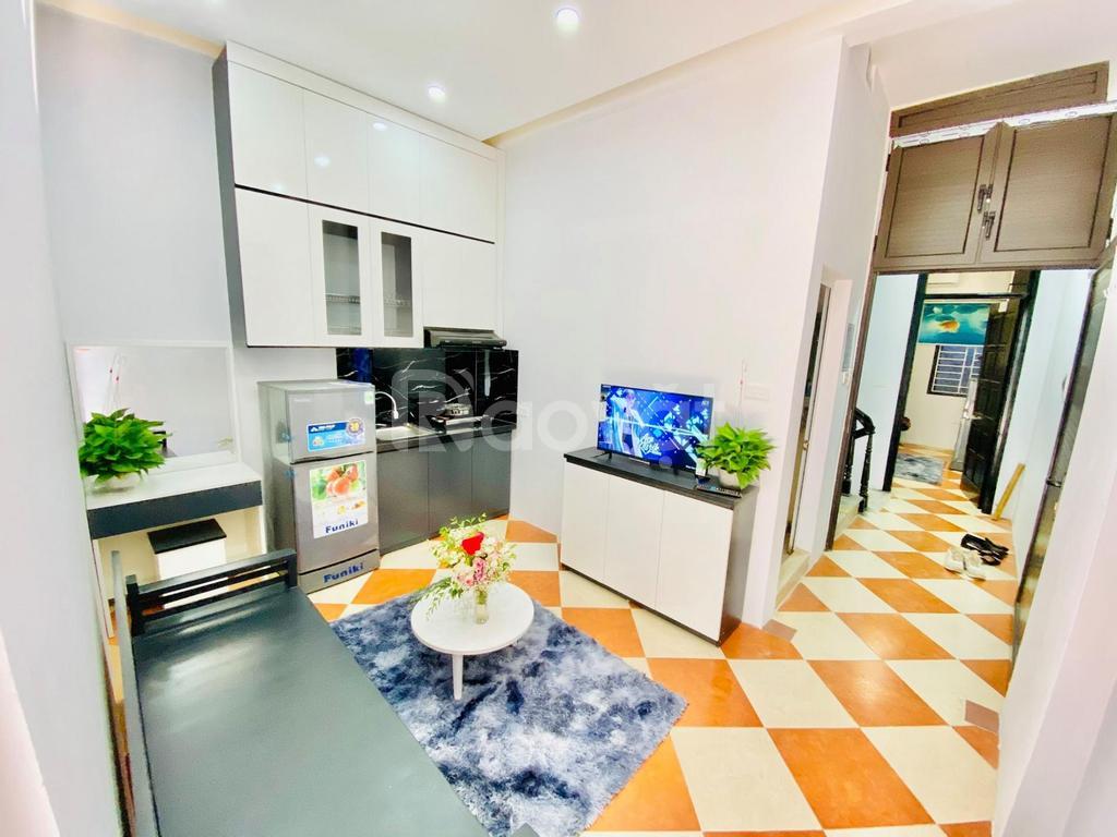 Bán nhà Trần Thái Tông 55 m2 x 5 tầng