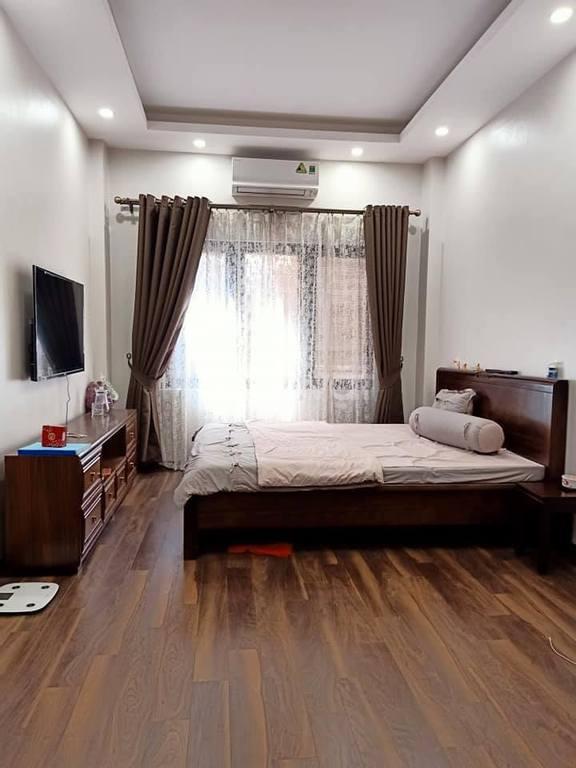 Bán nhà mới 5 tầng, ngõ 68 phố Dương Khuê