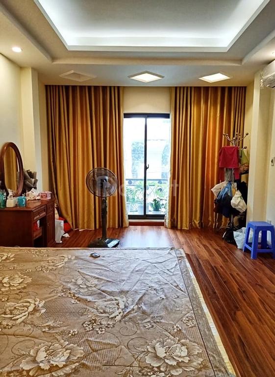 Bán nhà Nguyễn Khánh Toàn, lô góc, mới đẹp 38m, 5 tầng, gần ô tô