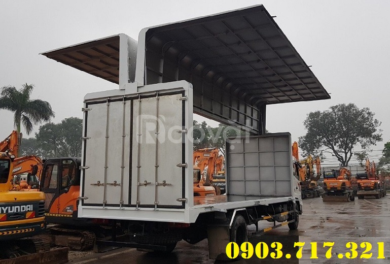 Xe tải Dongfeng thùng kín cánh dơi mới 2020