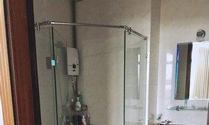 Cần cho thuê gấp căn hộ chung cư Giai Việt, DT82m2, 2PN