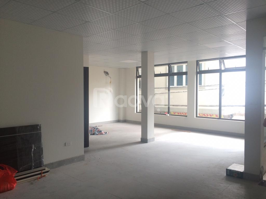Cho thuê văn phòng kinh doanh 68m2, đường Cầu Diễn