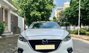 Xe nhà cần bán Mazda 3 2018, số tự động, màu trắng