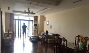 Bán ngay căn hộ Royal City 110m2, 2PN, ban công đông nam