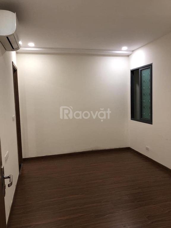Cho thuê căn hộ Ecogreen 76m2, 2 phòng ngủ, có chỗ để ô tô