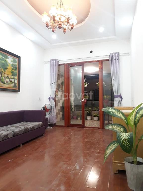 Bán nhà đẹp 4 tầng ở ngay phố Nguyễn Đình Hoàn, 35m
