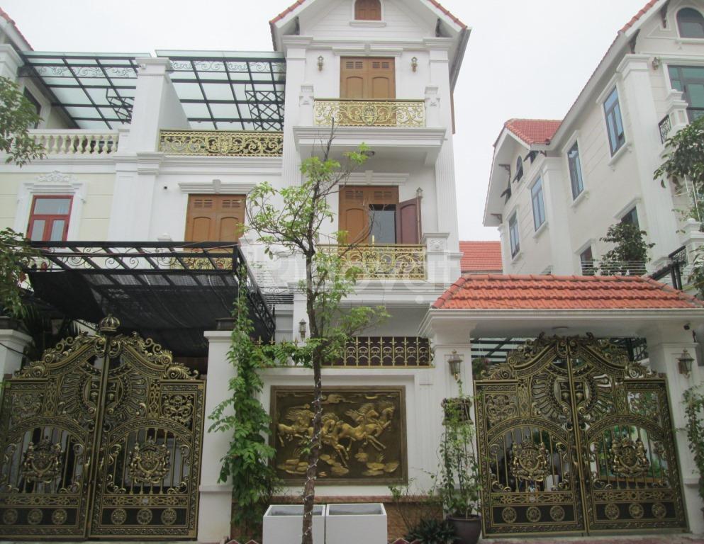 Bán biệt thự mặt đường 18m KĐT Văn Khê
