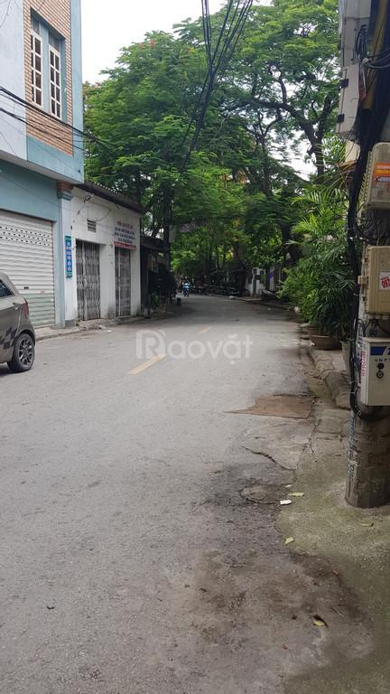 Bán 50m2 đất phân lô phường Việt Hưng, Long Biên, 2 mặt thoáng, ôtô