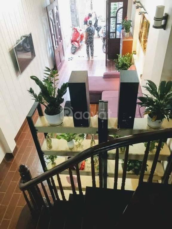 Nhà đẹp Nguyễn Chính 64m x 5 tầng, 6 phòng, mặt tiền giá hấp dẫn