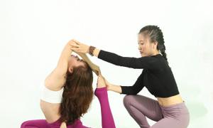Dạy Yoga PT tại nhà hoặc theo nhóm tại Hà Nội