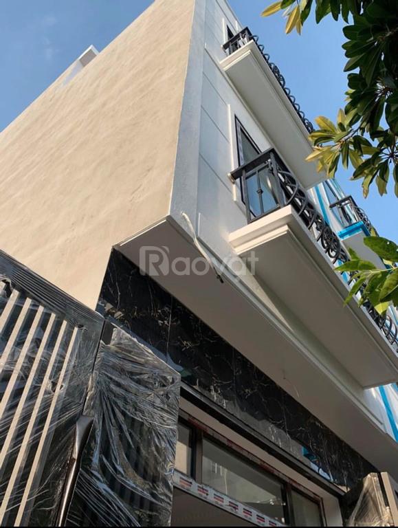 Nhà 1022 Quang Trung, Bến xe Yên Nghĩa, 35m2 4T, cách ô tô 20m
