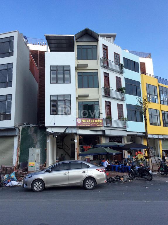 Cho thuê nhà mặt phố gần ngã Tư  Văn Cao, Thụy Khuê, Tây Hồ, Hà Nội