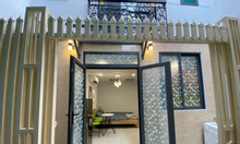 Bán nhà đẹp tặng nội thất, 686 CMT8, F5, Q.TB, DT: 5 x12m
