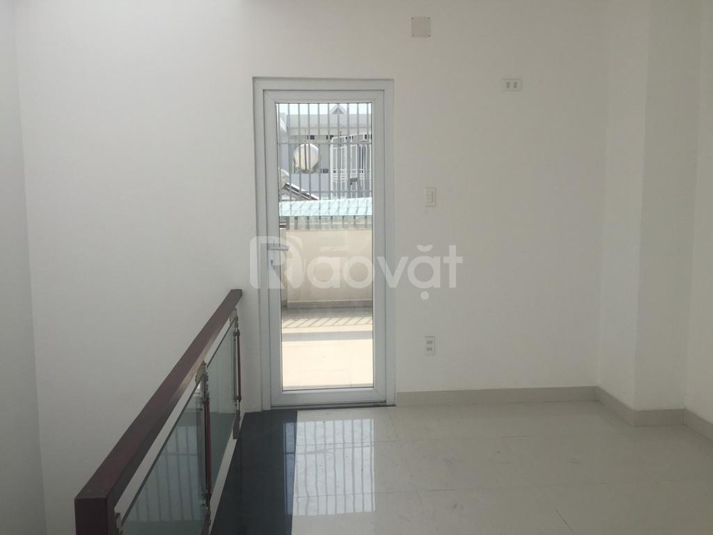 Bán nhà phố 3 lầu sân thượng hẻm xe hơi phường Tân Quy quận 7