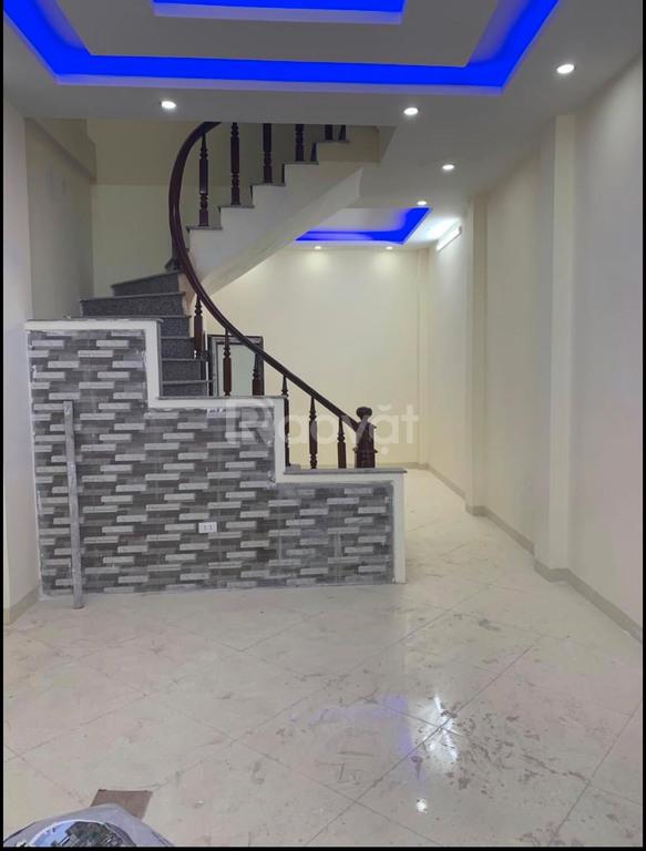 Nhà 35m2 3T Kia Morning đỗ cửa, 120m ra QL6, 1km về bến xe Yên Nghĩa