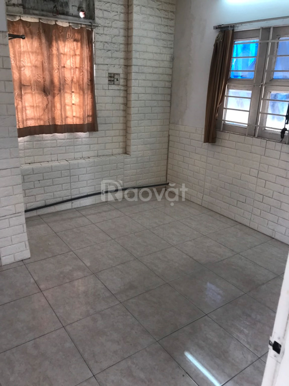 Cho thuê nhà khép kín khu Phan Xích Long
