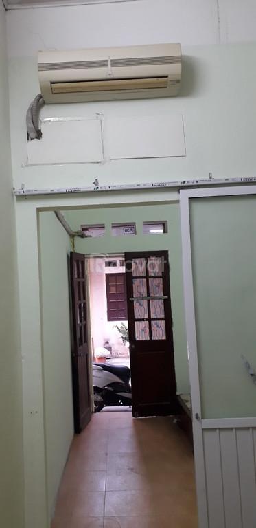 Chính chủ cho thuê nhà riêng DT 42m2 ở ngõ 93 phố Hoàng Văn Thái