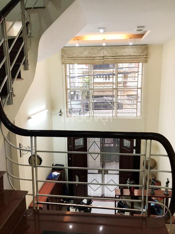 Nhà 38m2, 5 tầng, tại Giáp Nhất