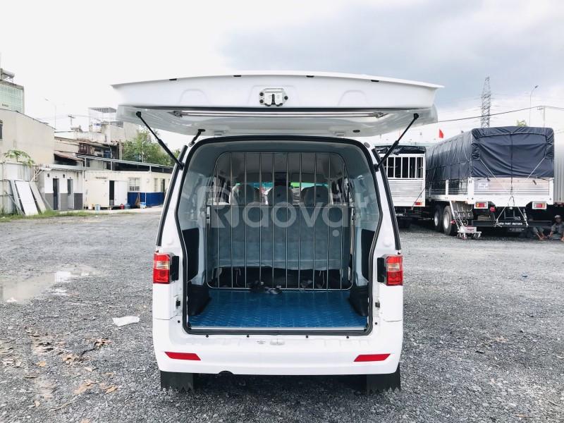 Xe tải van DongBen 650kg lưu thông được giờ cấm trong thành phố