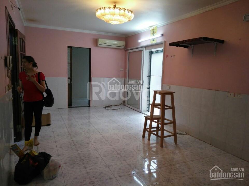 Cho thuê nhà tập thể tầng 1, ngõ 105 Láng Hạ