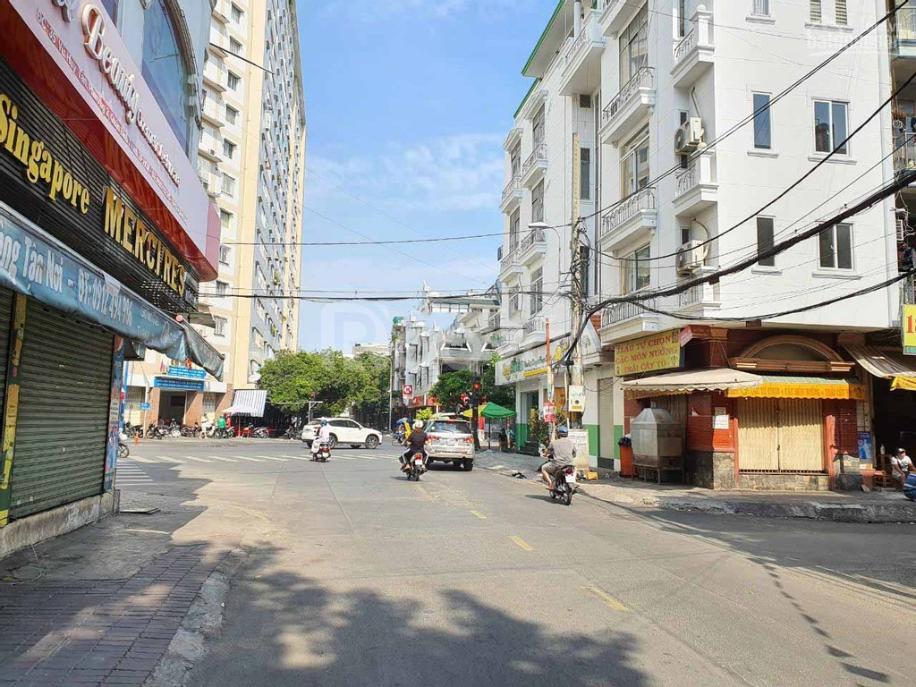Nhà mặt tiền Vũ Huy Tấn 1T2L ST ngay khu Phan Xích Long