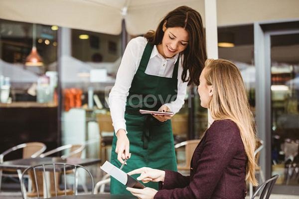 Tuyển nhân viên chạy bàn phục vụ nhà hàng