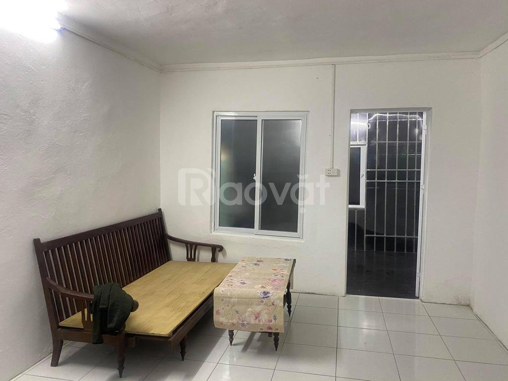 Cho thuê căn hộ tập thể Thành Công