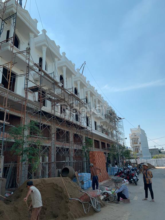 Bán nhà phố liền kề mặt tiền đường Hà Huy Giáp, liền kề Gò Vấp