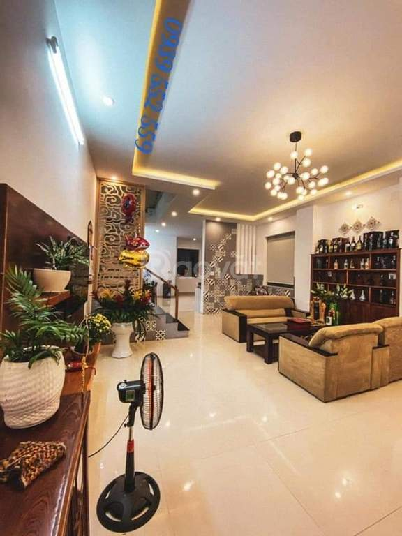 Biệt thự 2 mặt tiền, đất 104.5m2, nội thất hiện đại cần chủ mới
