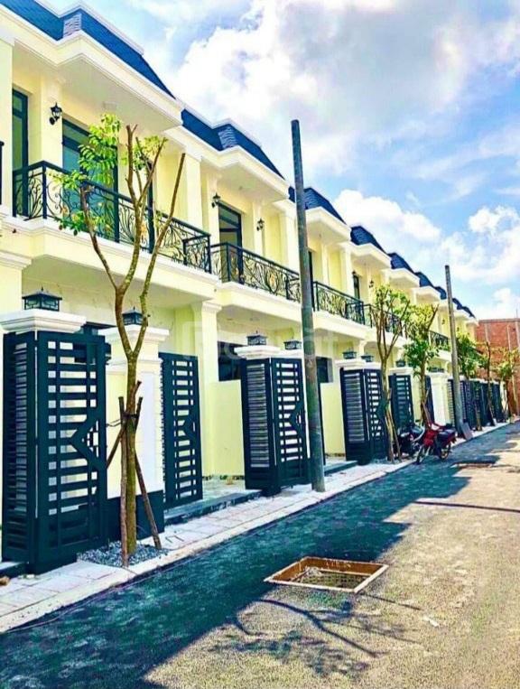 Nhà 1 trệt, 1 lầu, 1 lửng, giá full 409 Triệu Bình Chánh