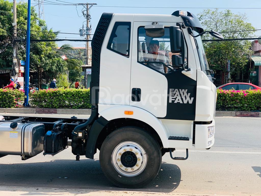 Xe tải 8 tấn thùng kín chở pallet, bao bì giấy, nước ngọt