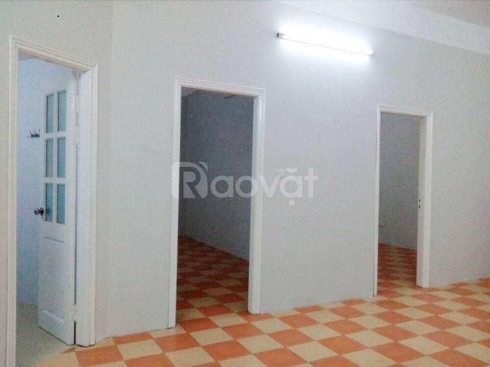 Cho thuê căn hộ chung cư 100m2 tại phố Thiên Hiền, giá cả thỏa thuận