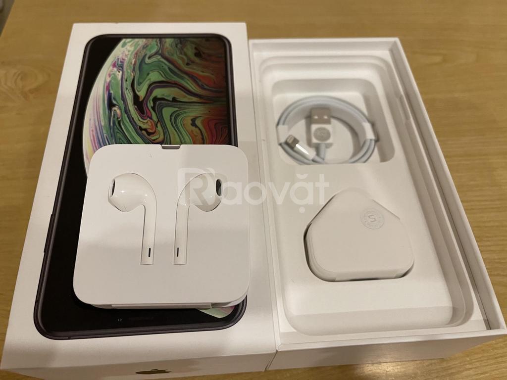 iPhone XS Max 64 đen full box khá mới