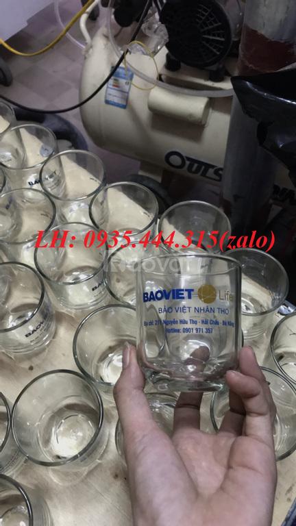 Ly thủy tinh in logo quà tặng khách hàng, nhân viên dịp tết