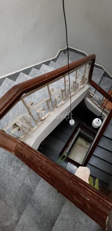 Bán nhà riêng 52m2, 5 tầng Giảng Võ, Hà Nội