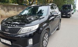 Bán xe Kia Sorento màu đen máy dầu đời 2015, chính chủ