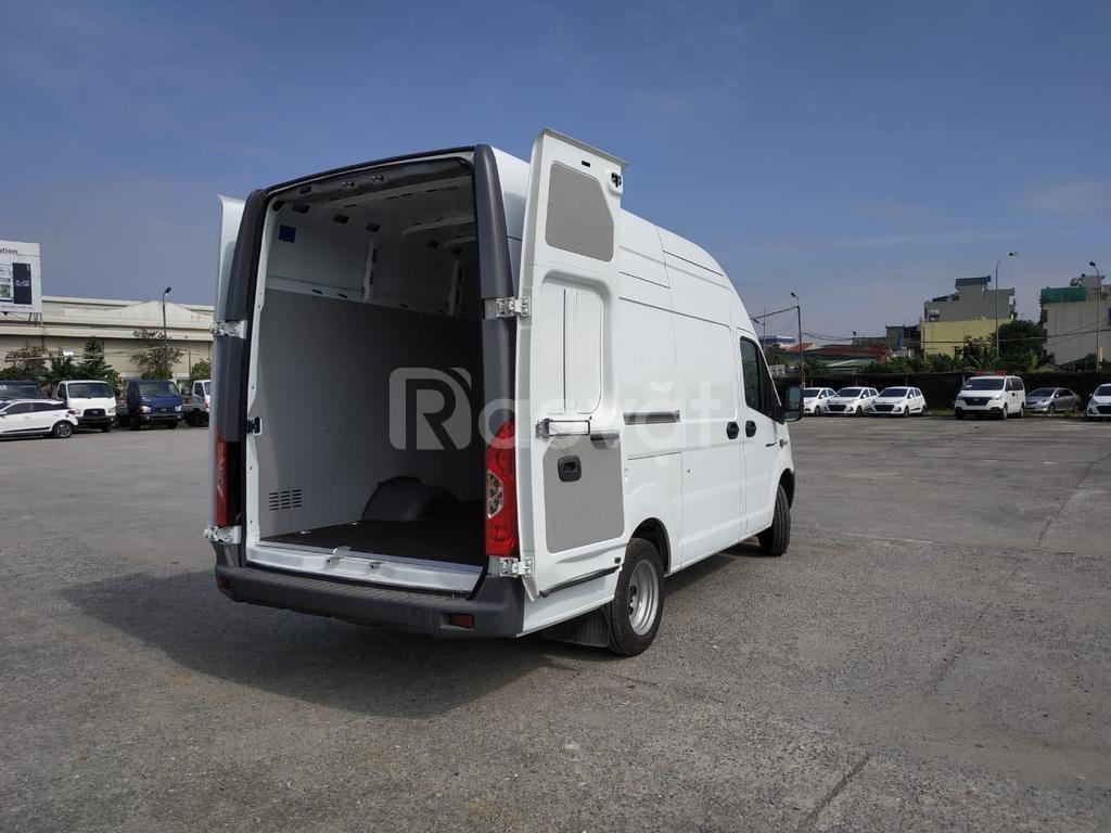 Xe Gaz Van 3 chỗ tải trọng 945kg thùng hàng 11 khối