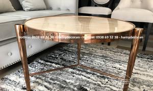 Mẫu bàn trà inox mạ vàng hồng mặt đá tự nhiên đẹp sang cho căn hộ HCM