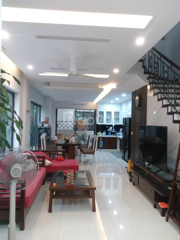Bán biệt thự Vinhomes Thăng Long 154m2, HT nội thất đẹp, giá tốt