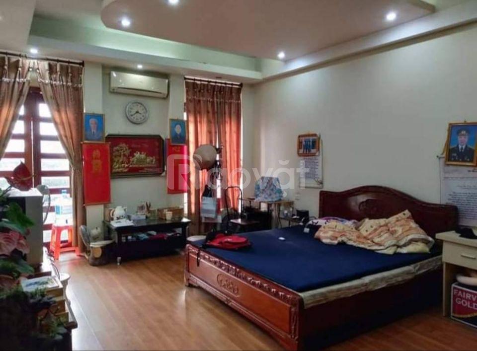 Bán nhà mặt phố Trương Định, Nguyễn Đức Cảnh