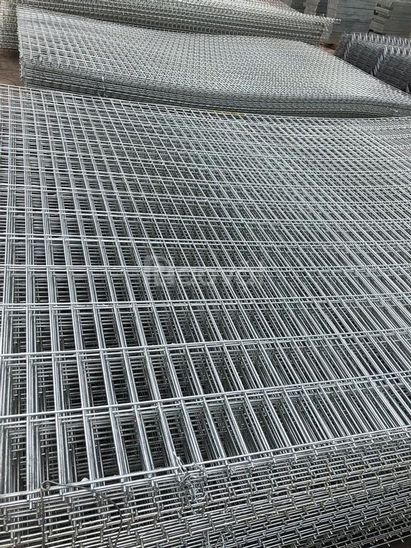 Hàng rào lưới thép thẳng giá tốt tại Hà Nội