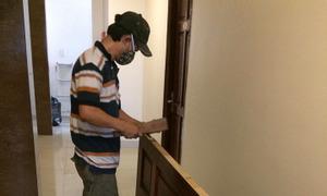 Thợ sửa cửa gỗ tại TPHCM, sửa cửa gỗ bị xệ, sửa cửa gỗ bị mối ăn