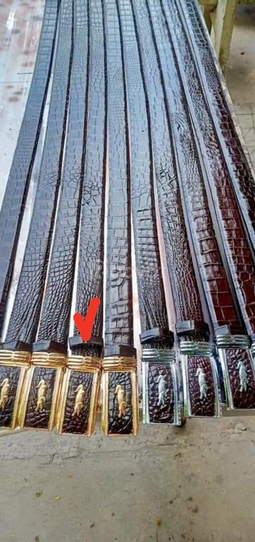 Nịt da cá sấu thật 100%, phát hiện hàng dõm đền 100%