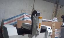 Máy phay bản lề CNC nhôm cánh kính