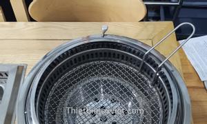 Bếp lẩu nướng than hoa âm bàn nhà hàng hút dưới