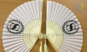 Quạt lụa nan tre in ấn theo yêu cầu thiết kế