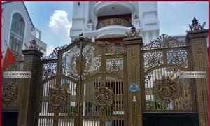 Cổng nhôm đúc Buckingham ở Bình Dương